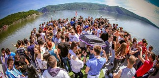 Uranak festival boat party