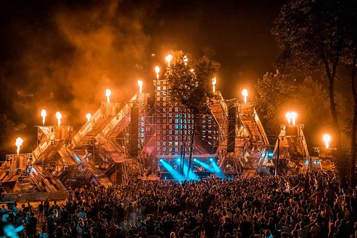 Lovefest 2018 Fire Stage recenzija