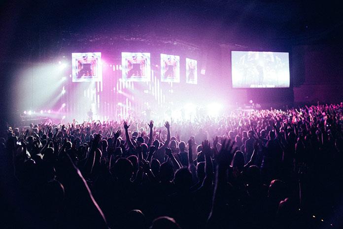 Muzicki festival by Josh Sorenson