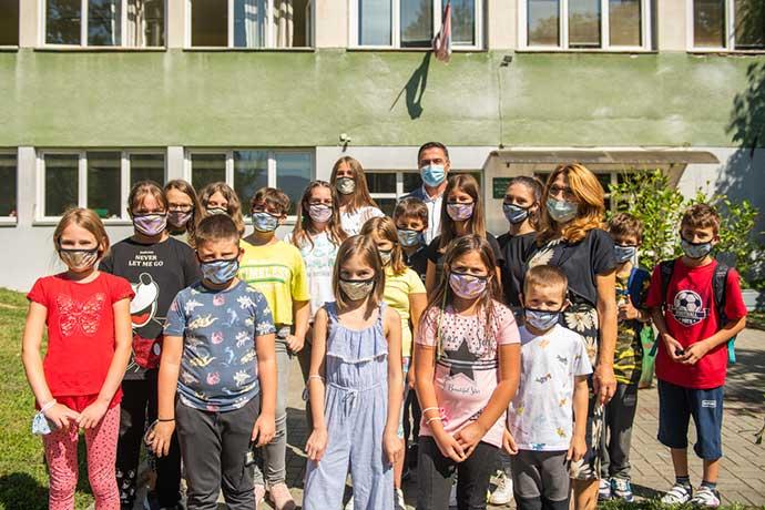 Osnovna skola Popinski Borci Lovefest maske