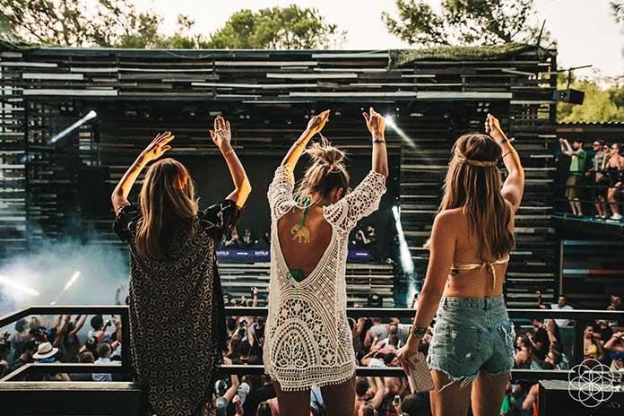 We Love Sound We Still Dance by Ruben Schmitz